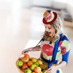 Fruit Girl - Fruit Meisje