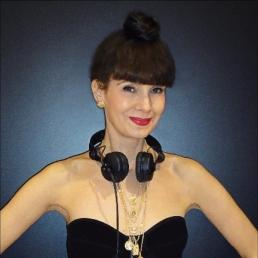 DJ Amsterdam  (NL) Female / Vrouwelijke DJ Yvi