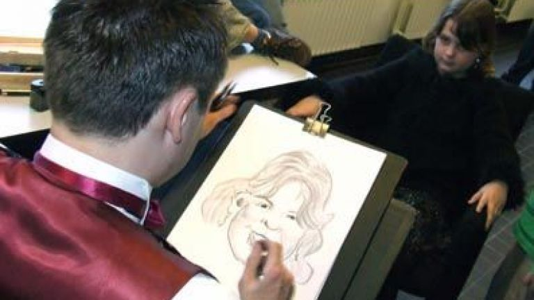 Drawing caricatures - Table Magic - Ventriloquism
