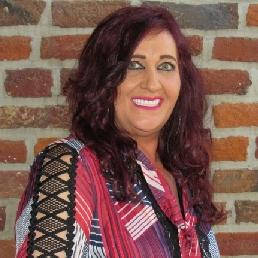 Singer (female) Sint Willebrord  (NL) NAMIDDAGVULLENDE SHOW ' EEN FEESTJE MET