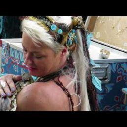 Slangen show/ buikdanseres met slang