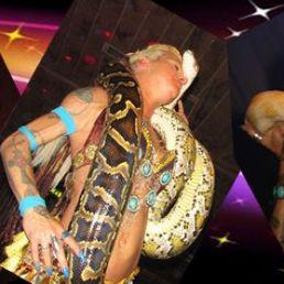 Snake show/ belly dancer with snake