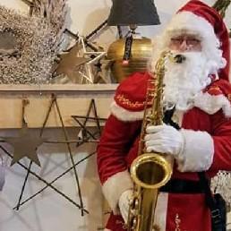 Saxofonist Uithoorn  (NL) Muzikale kerstman