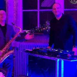 DJ Uithoorn  (NL) Dj John & Saxofonist Robert