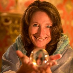 Fortune teller Alphen aan den Rijn  (NL) Wandelende Waarzegster
