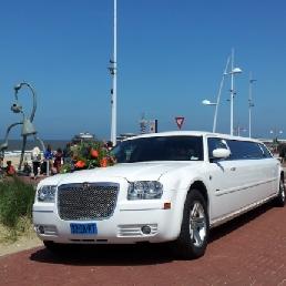 Party vervoer 's Gravenzande  (NL) Stoere Chrysler 300c Limo Wit