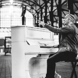"""Pianist Amersfoort  (NL) Pianist en Zanger """"De Pianoman"""" 5 uur"""