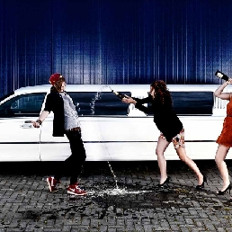 Party vehicle Groningen  (NL) Lincoln Town Car Limousine Wit