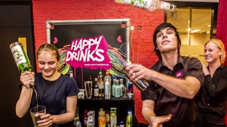 Dazzling Cocktails: Flairtender