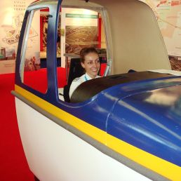 Mobile flight simulator