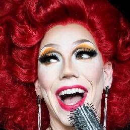 Animatie Groningen  (NL) Drag Queen Karaoke Miss Dolly Wood
