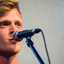 Singer (male) Gentbrugge  (BE) Toffinoff