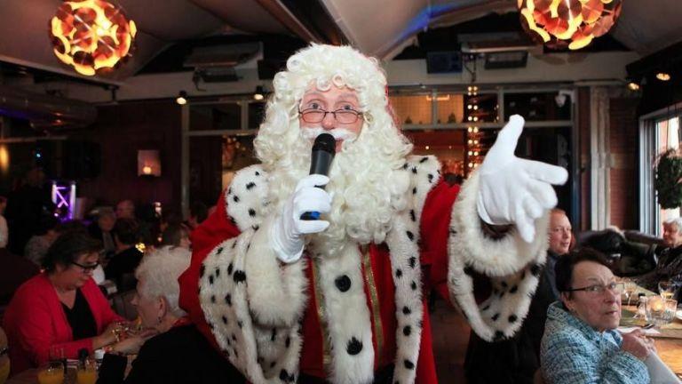 De Zingende Kerstman (Singing Santa Claus)