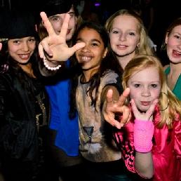 Kindervoorstelling Maarheeze  (NL) Tienerdisco (2 of meer uur)