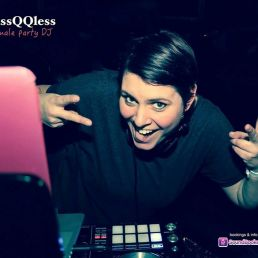 Female Allround DJ missQQless (5 uur)