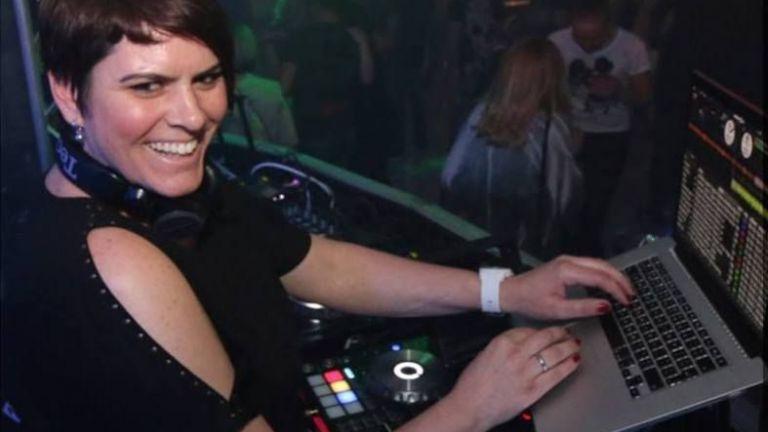 DJ missQQless (set 2 uur)