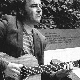 Singer (male) Breda  (NL) Paul Simon Tribute