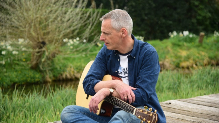Singer (male) Capelle aan den IJssel  (NL) Timber
