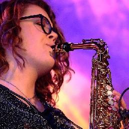 Saxophonist Schipluiden  (NL) Fenna V.
