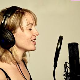 Singer (female) Den Haag  (NL) Saskia Iris