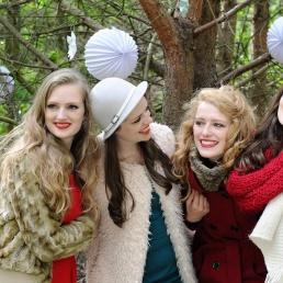 Zanggroep Hoevelaken  (NL) Santa Sisters Kerstact