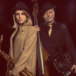 DJ Rotterdam  (NL) The Paris Plan, dj met saxofoon