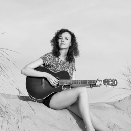 Singer (female) Den Bosch  (NL) Anne van Damme
