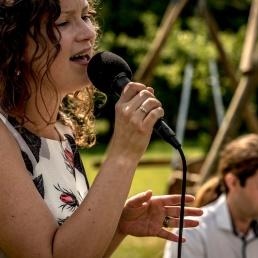 Singer (female) Hengelo  (Overijssel)(NL) Song-Smederij