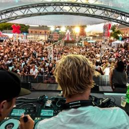 DJ Delft  (NL) Oliver 'N Criss