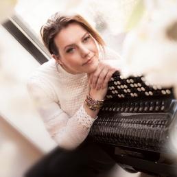 Singer (female) Enschede  (NL) Monique Kokkeler