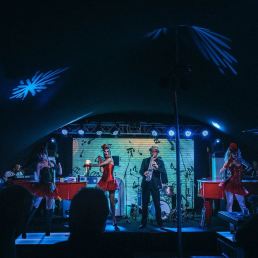 Band Valkenswaard  (NL) Spotlight Pianos dueling pianoshow