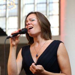 Singer (female) Beesd  (NL) Marieke Zevenbergen