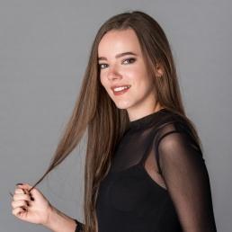 Singer (female) Tiel  (NL) Myrthe Hendriks
