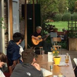 Gitarist Amsterdam  (NL) Bartolo de Mokum
