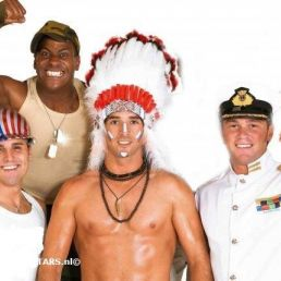 Zanggroep Losser  (NL) VILLAGE PEOPLE (UK):