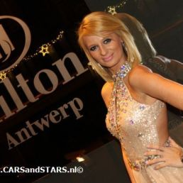 Paris Hilton lookalike