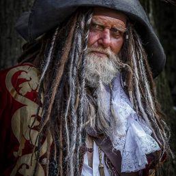 Actor Losser  (NL) Captain Teague - Double