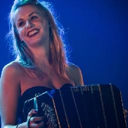 Accordeonist Rotterdam  (NL) Solo Bandoneonist - Simone v/d Weerden