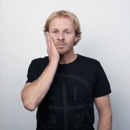 Cabaret Amsterdam  (NL) Harry Glotzbach: Maatwerk Comedian
