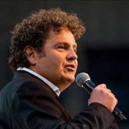 Presentator Amsterdam  (NL) Dirk Zeelenberg als dagvoorzitter