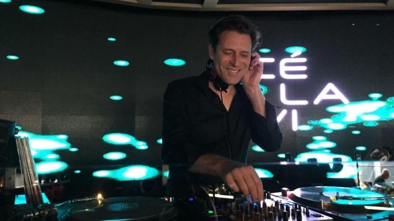 DJ Amsterdam  (NL) DJ Maestro ft. Bas van Lier - Online