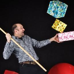 Jongleur Heinenoord  (NL) Marco Bonisimo - Sinterklaasshow