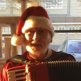 Accordeonist Haarlem  (NL) Muzikale Kerstman Gerard