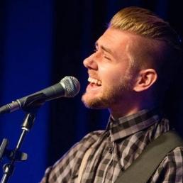 Singer (male) Eijsden  (NL) Mitchell Ritchi