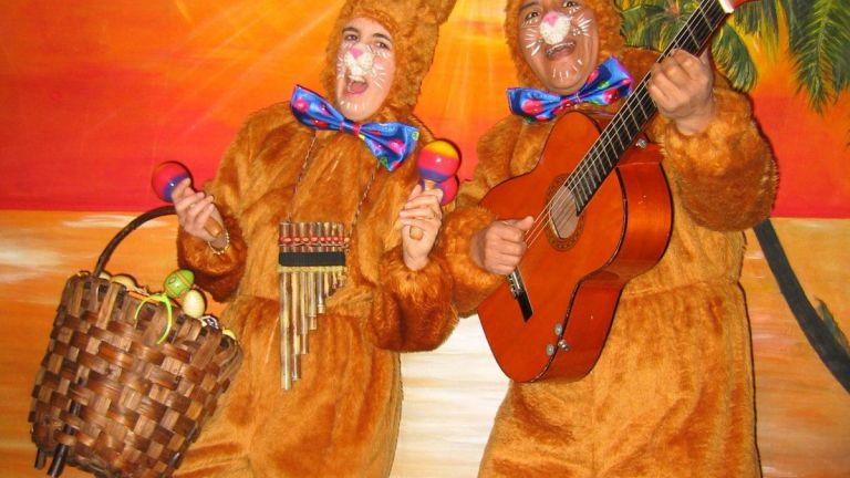 Singing Easter Bunnies - Los del Sol