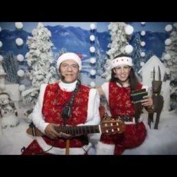 Singing Christmas figures - Christmas music