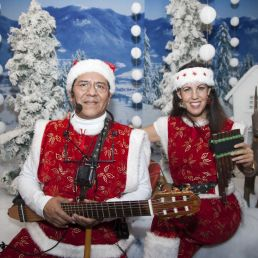 Zanggroep Heinenoord  (NL) Zingende Kerstfiguren - Kerstmuziek