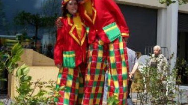 Clowns Stiltwalkers