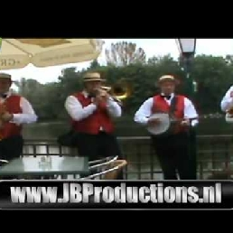 The Swinging Dixieband