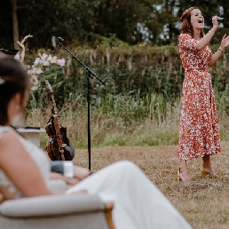 Singer (female) Den Bosch  (NL) Emotional music at your wedding(ceremony)